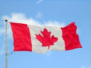 640px-Canada_flag_halifax_9_-04